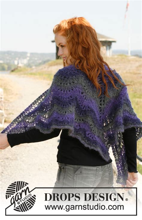 Midnight Haze / DROPS 134-23 - Knitted DROPS shawl with