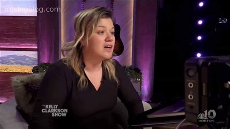 Kelly Clarkson Back in Los Angeles Without Her Wedding
