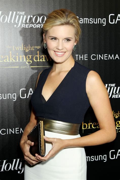 Maggie Grace Movies List, Height, Age, Family, Net Worth