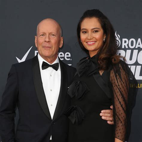 Bruce Willis renews wedding vows in the presence of ex