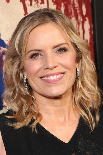 Kim Dickens | Biography, Movie Highlights and Photos